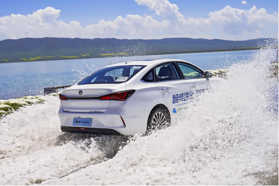 试驾长安新能源逸动E-Life,为何众多车评人为它打Call?