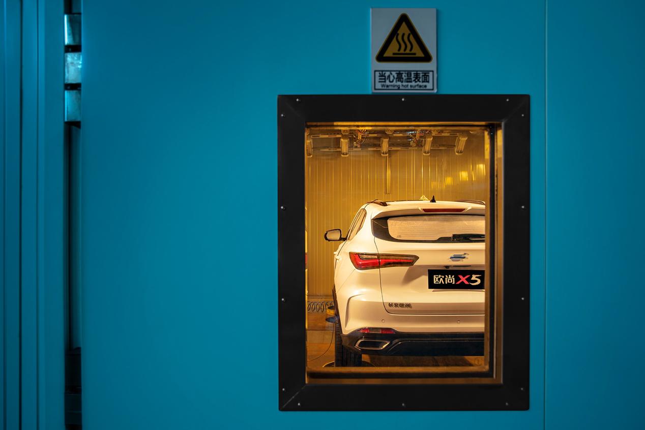 不停开关车门,科学实证车门到底多耐造