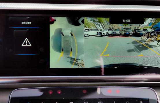 新手停车零压力,这才是自动泊车该有的样子