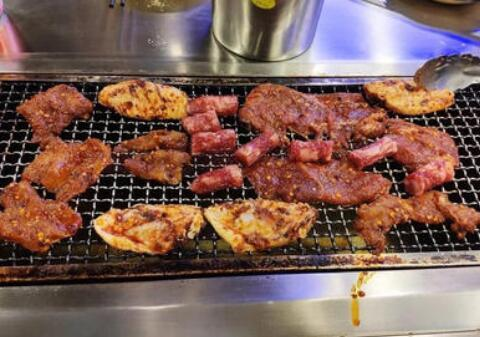 小薇薇西昌火盆烤肉加盟费多少钱