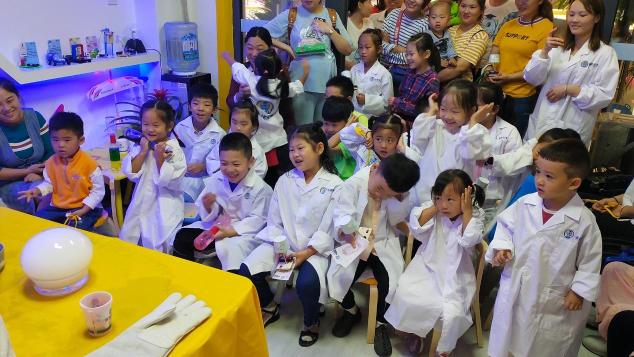 海豚博士打造创客教育新生态