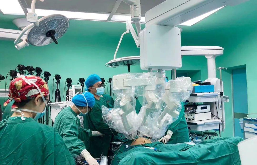 威高妙手机器人首次为患者实施泌尿外科手术