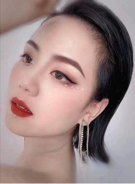刘艳艳的变美秘籍:睁眼有神,闭眼无痕