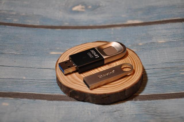 Lexar雷克沙F35指纹加密U盘,给我们的信息加上一把锁