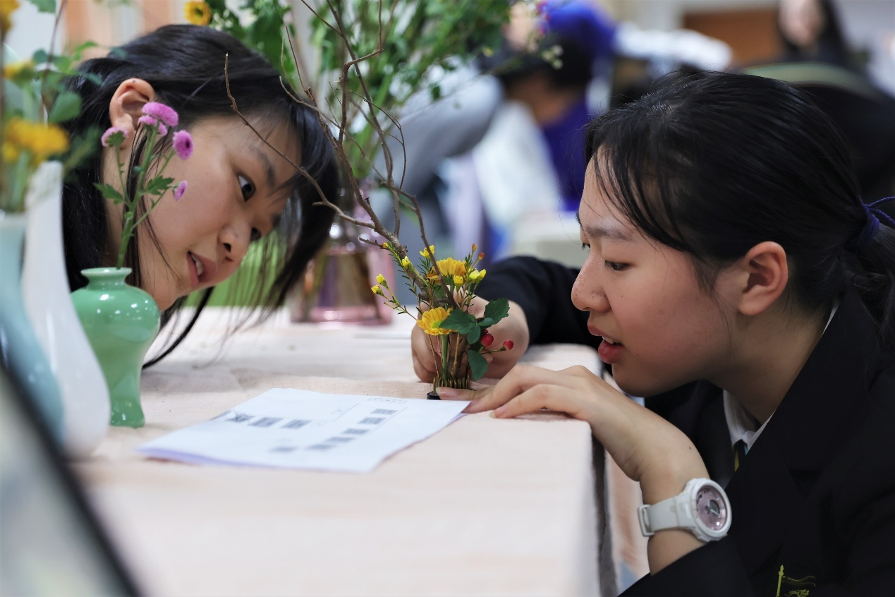 https://www.huilieducation.cn/hangzhou-school/wp-content/uploads/sites/6/2020/11/WCH_0296.jpg