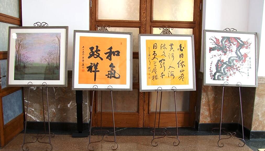 李赞集作品被阿尔巴尼亚共和国驻华使馆和天安门地区管理委员会收藏