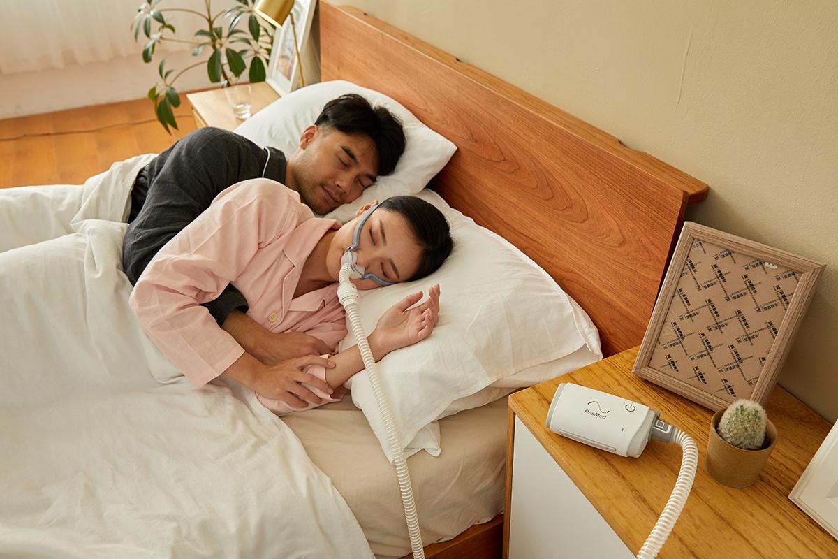 恒达登录注册瑞思迈口袋呼吸机即将上市,AirMini止鼾变革新产品