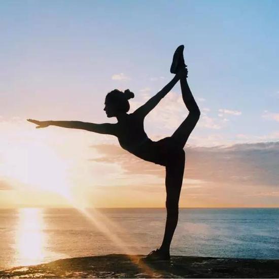 我是如何只花千元从家庭妇女华丽转身为每日上班3小时,月入过万的瑜伽老师的?