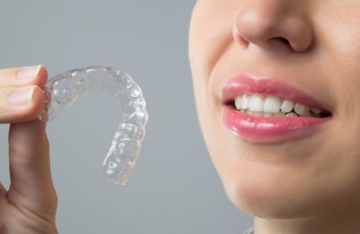 【天津海德堡联合口腔医院】正畸专家李欣为您讲解牙齿矫正的一些小知识!