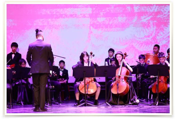共享视听盛宴,杭州惠立学校喜迎牛年