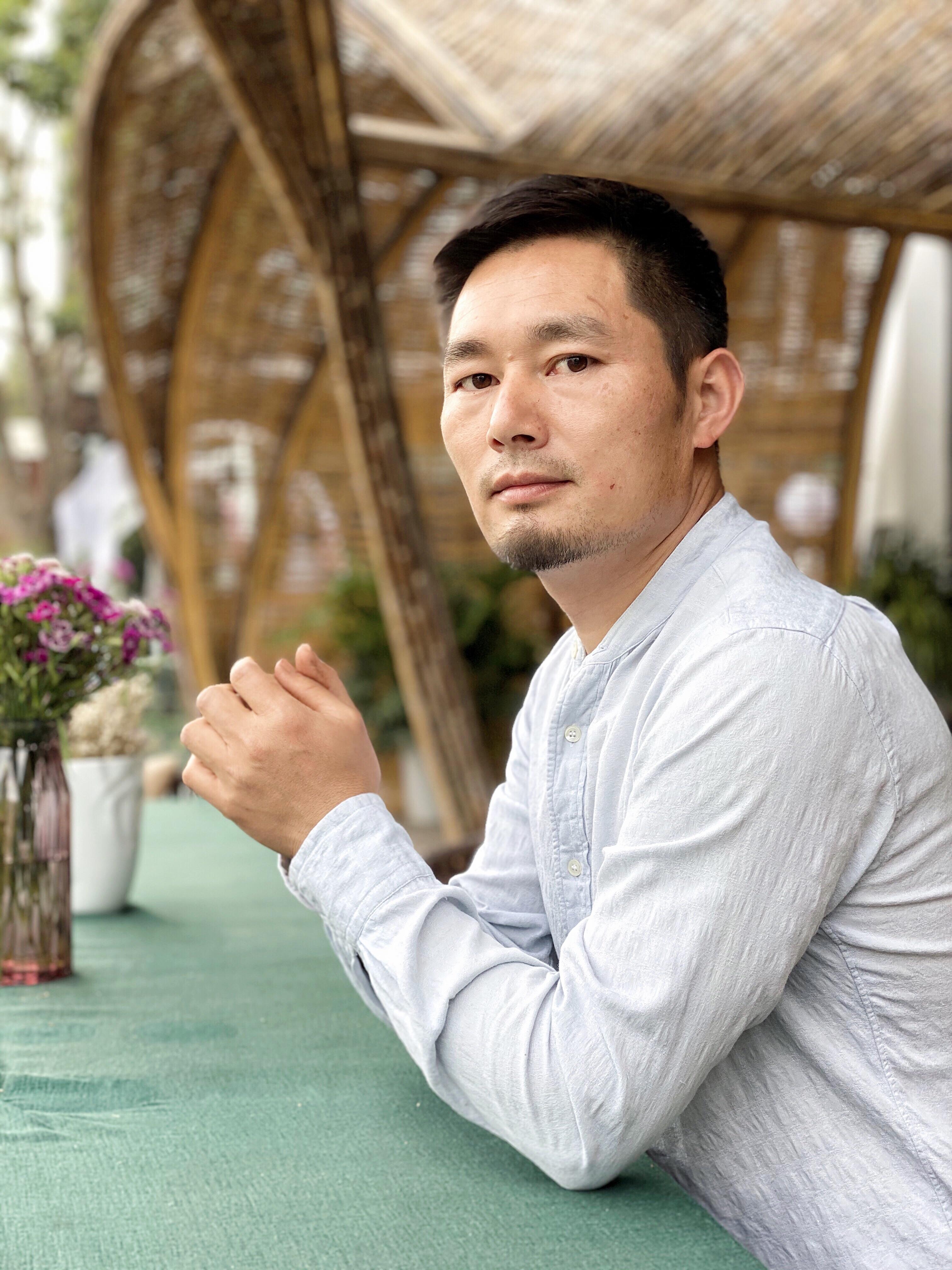 腾冲自在胜地酒店管理有限公司董事长易成