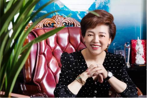 艾美集团李金凤董事长对话北大学子:美康中国,一起行动
