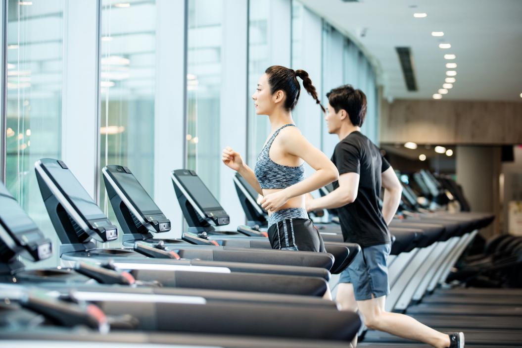 摄图网_501311358_banner_跑步机运动健身(非企业商用)