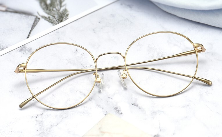 成都配眼镜哪里放心?写字楼眼镜店好吗?