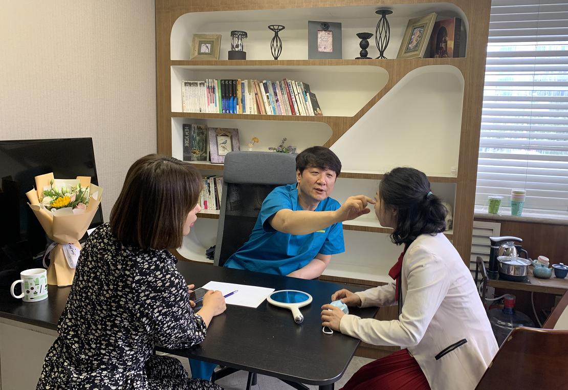 30年临床经验——美憬韩国院长李炳浍鼻整形亲诊
