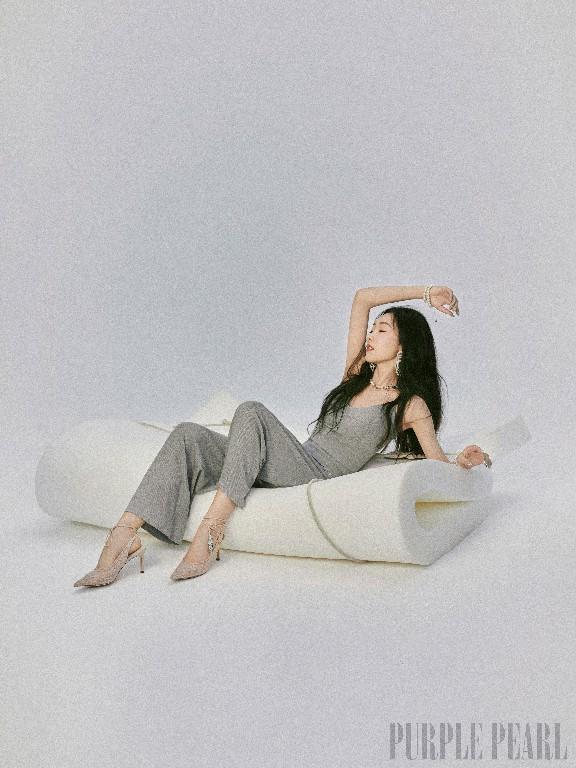 宣璐身穿谷梦品牌家居服,拍摄《PurplePearl_China》大片!