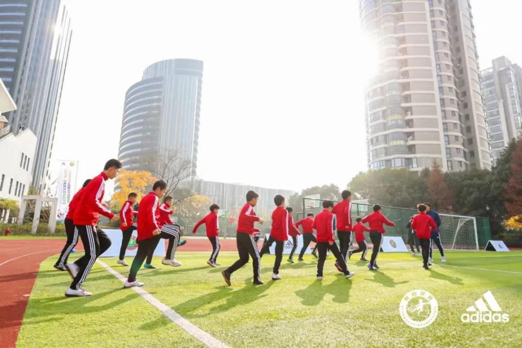 聚焦足球发展,adidas助力足球少年圆梦足球