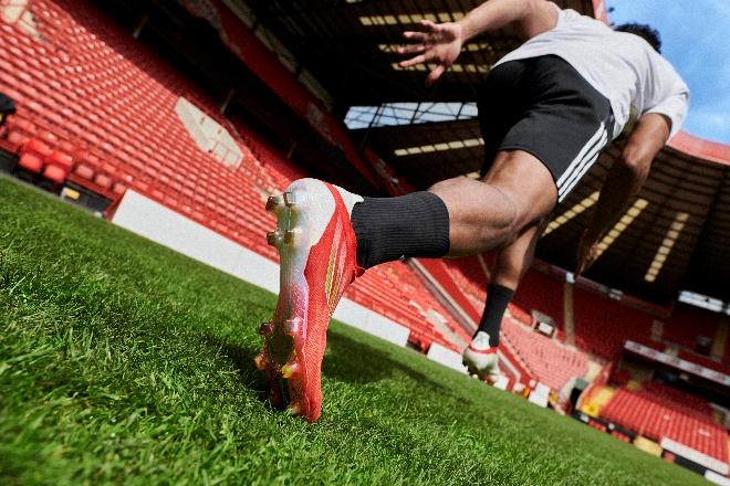 新的旅程,阿迪达斯X SPEEDFLOW系列足球鞋和梅西开启新纪元