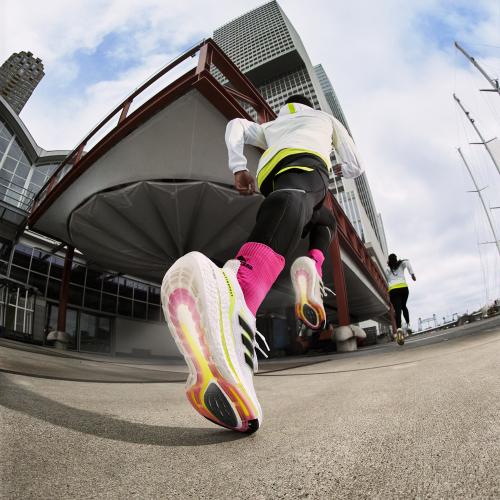 adidas BOOST系列跑鞋黑科技 提供跑步新动能