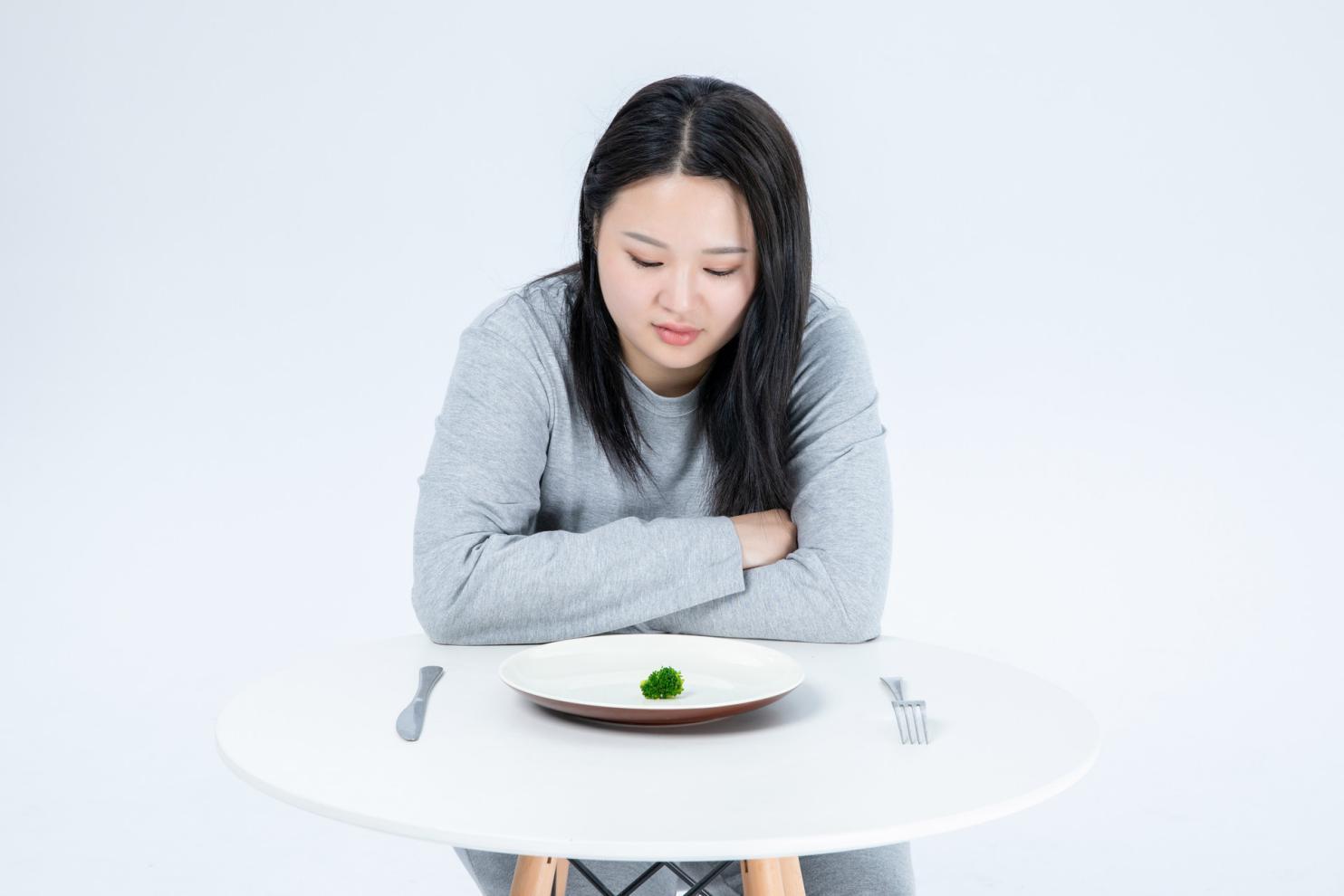 摄图网_500993423_banner_胖女生节食(非企业商用)