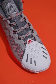 阿迪达斯官网推出罗斯全新签名战靴,展望未来,重新起步