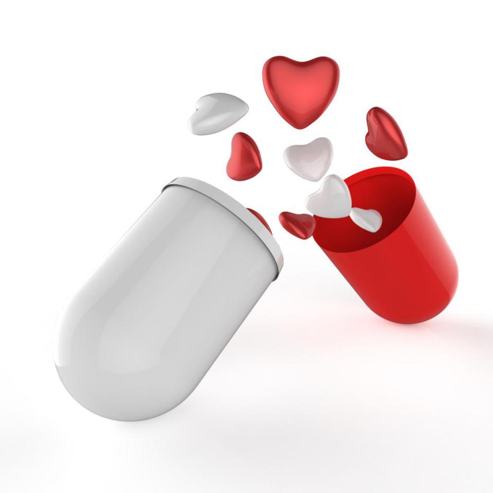摄图网_307264280_3d胶囊药丸内多个心脏作为概念(非企业商用)