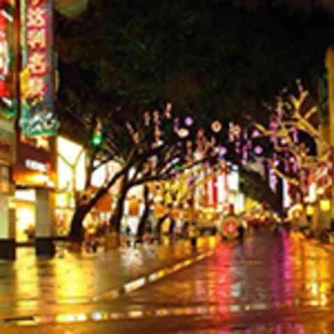 港媒:非法示威料致香港四行业损失4000亿港元